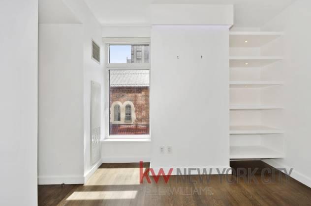 400 1155 Avenue of the Americas,6th Floor New York City,New York 10021,2 Bedrooms Bedrooms,2 BathroomsBathrooms,Condo coop,1155 Avenue of the Americas,6th Floor,210761